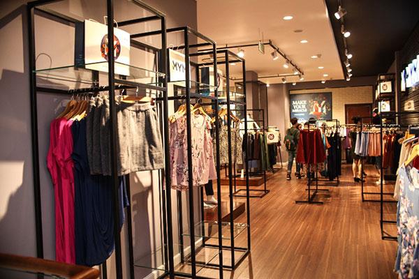 Mở cửa hàng thời trang